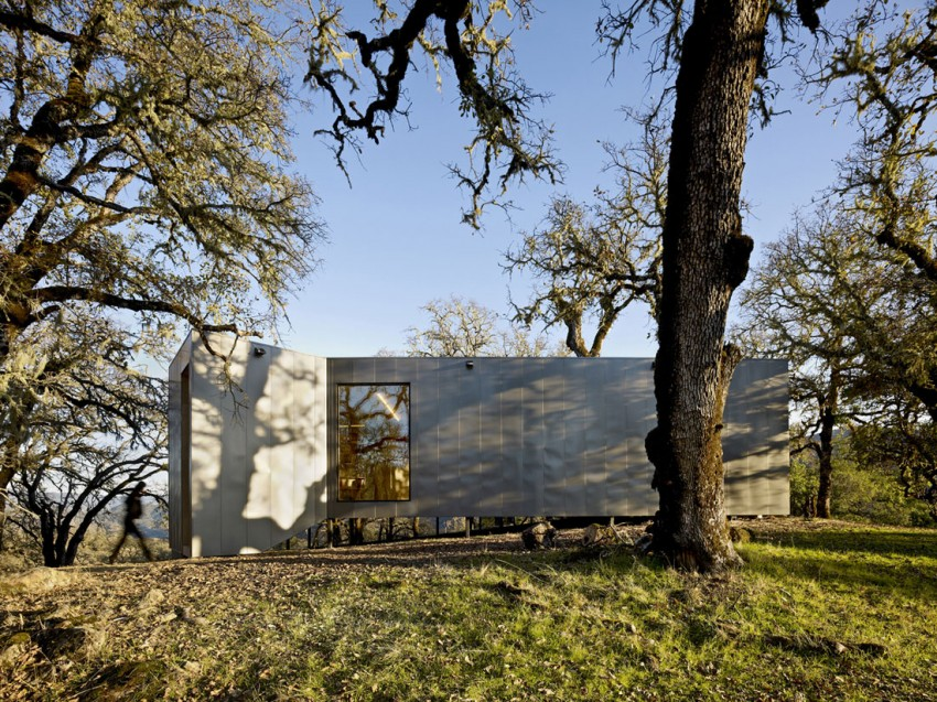 Moose Rd by Mork-Ulnes Architects (2)