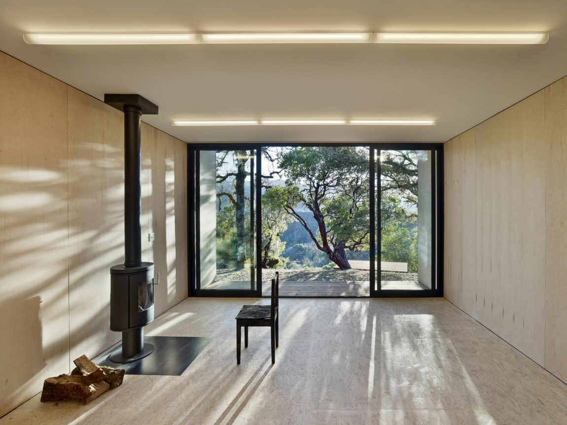 Moose Rd by Mork-Ulnes Architects (4)