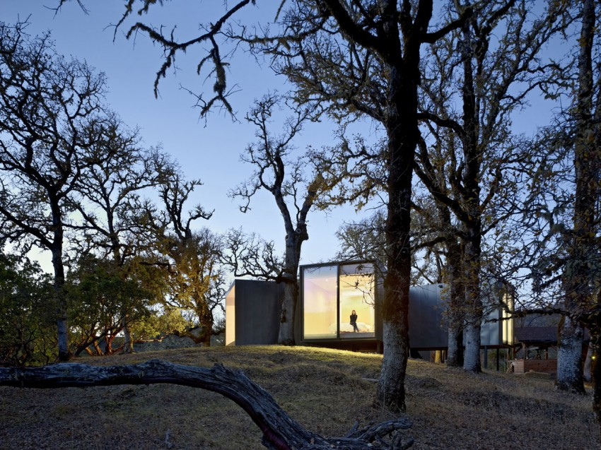 Moose Rd by Mork-Ulnes Architects (7)