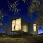 Moose Rd by Mork-Ulnes Architects (8)