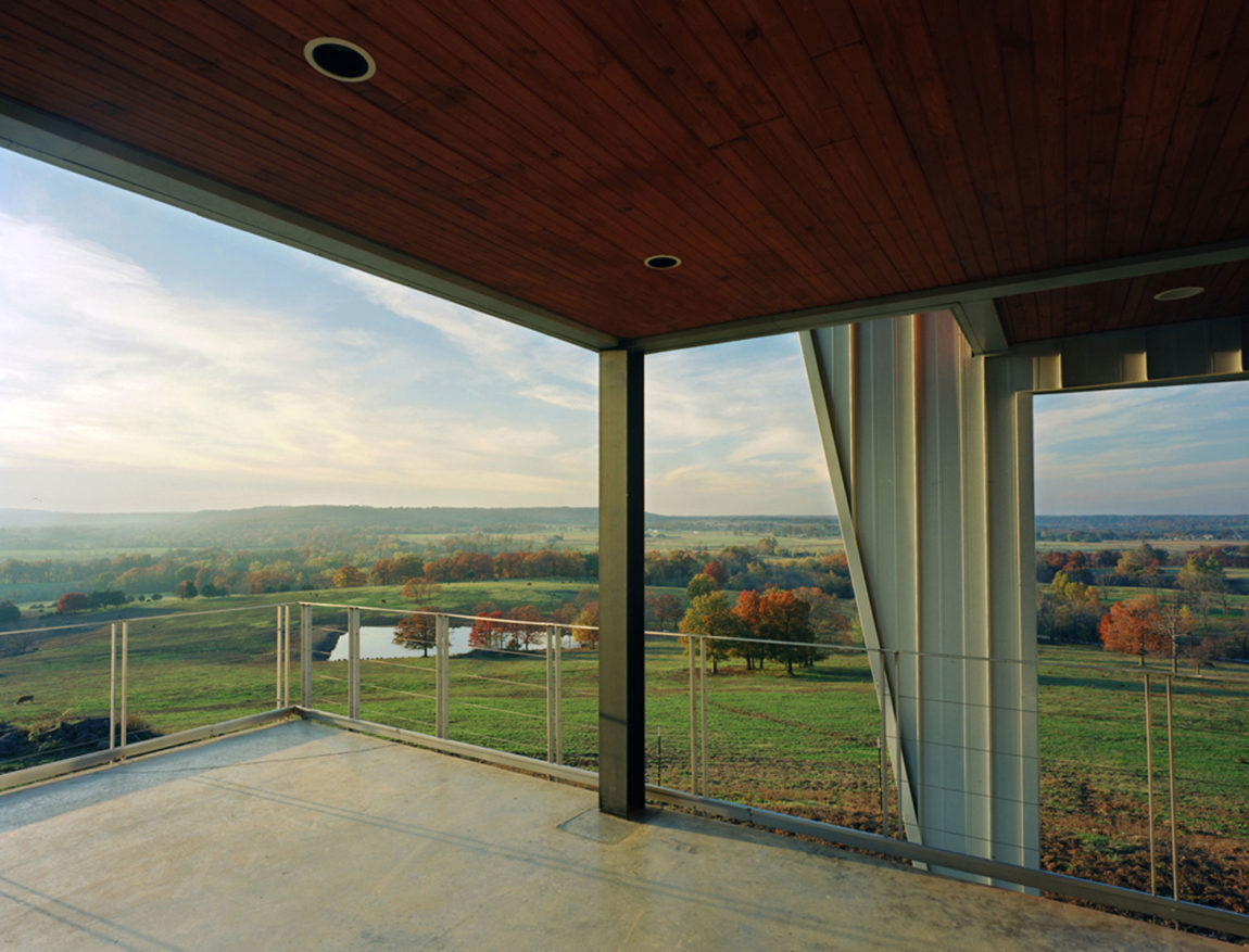 Round Mountain House by deMx architecture (11)