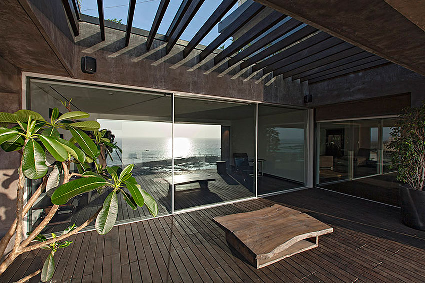 Sea Facing Penthouse by Abraham John Architects (2)