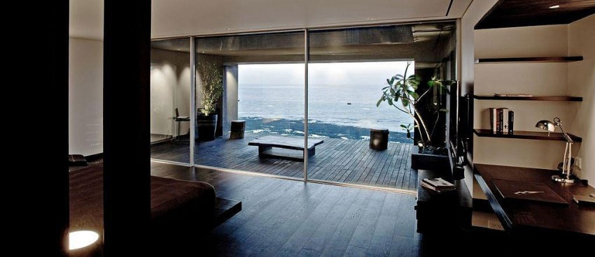 Sea Facing Penthouse by Abraham John Architects (20)