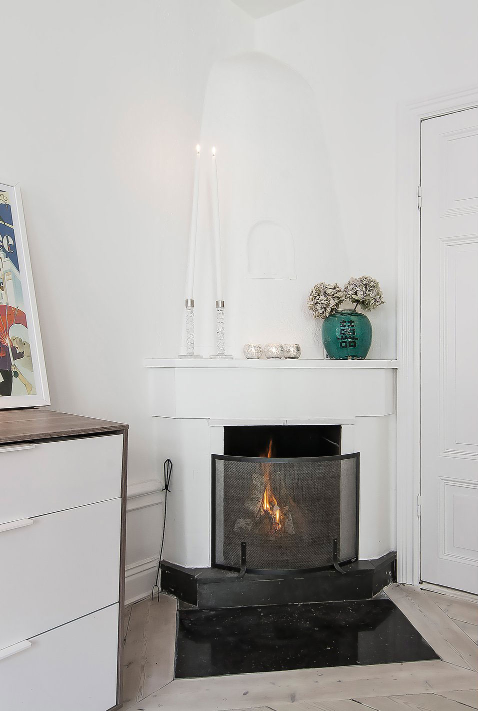 Small yet Stylish Flat in the Heart of Stockholm (12)