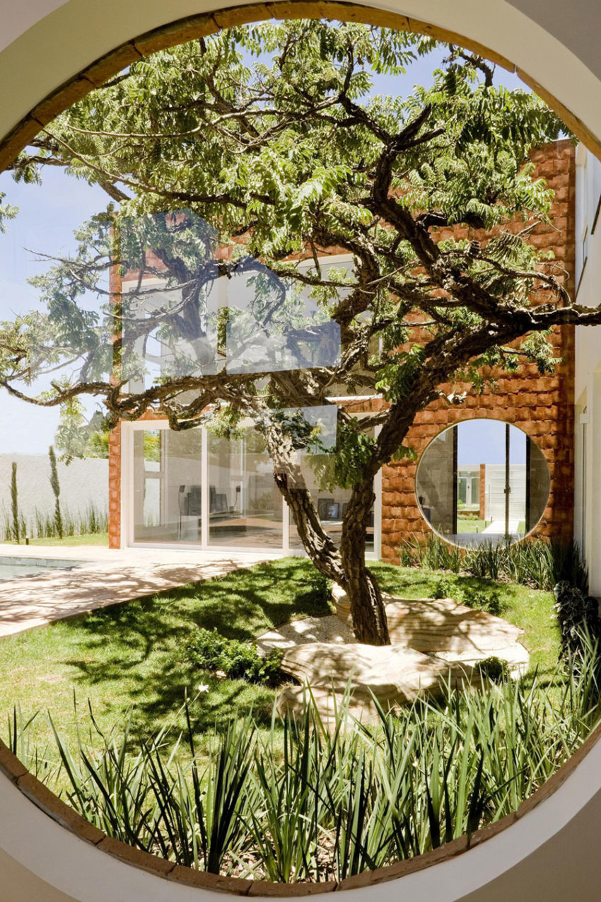 Taquari House by Ney Lima (2)