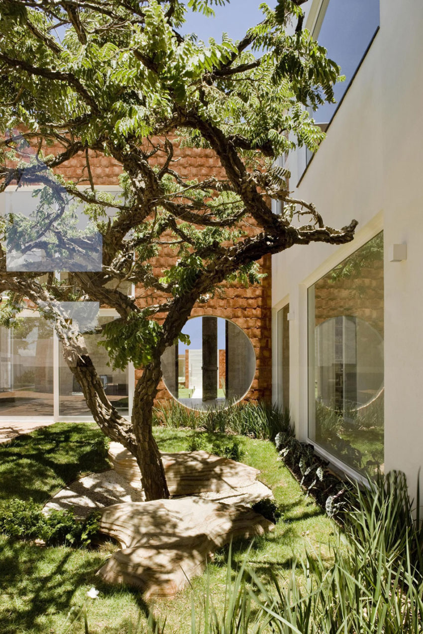 Taquari House by Ney Lima (3)