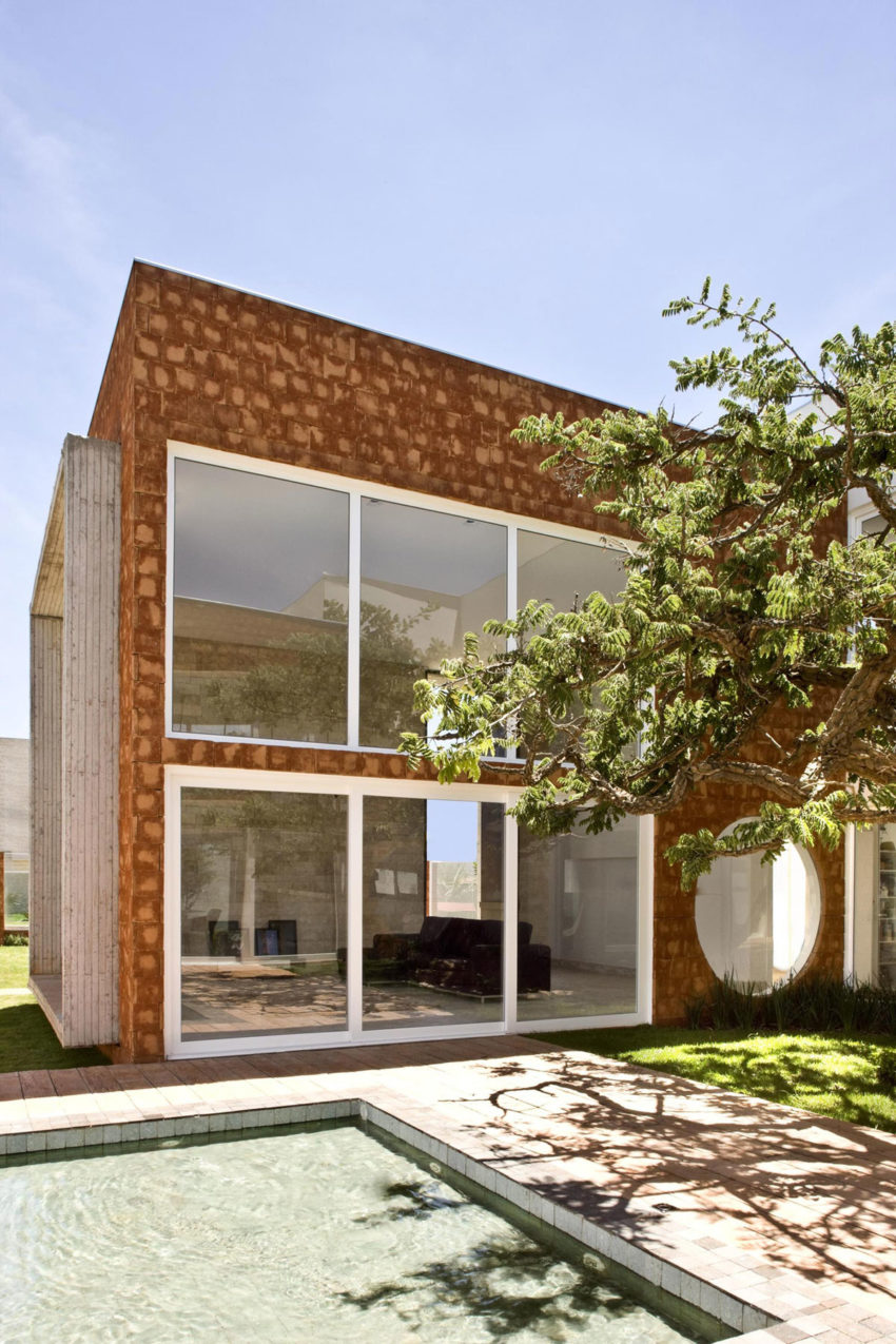 Taquari House by Ney Lima (7)