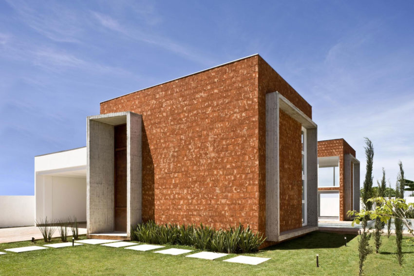 Taquari House by Ney Lima (10)