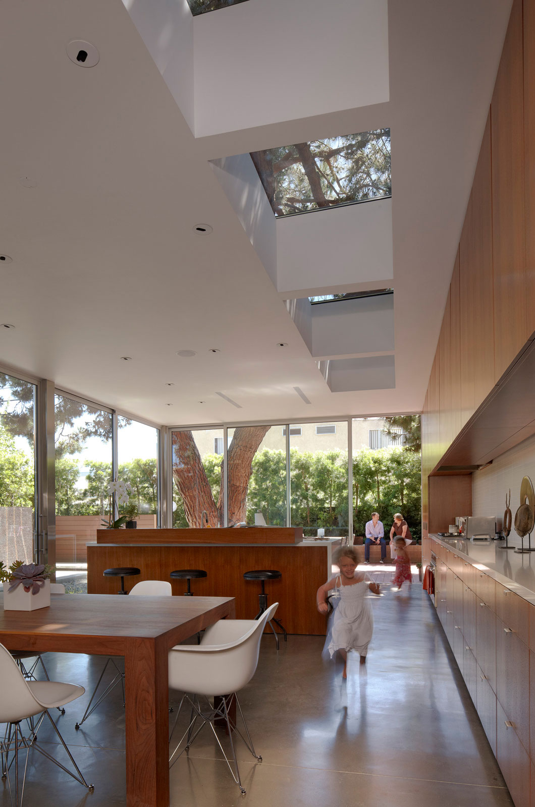 The Walnut Residence by Modal Design (6)
