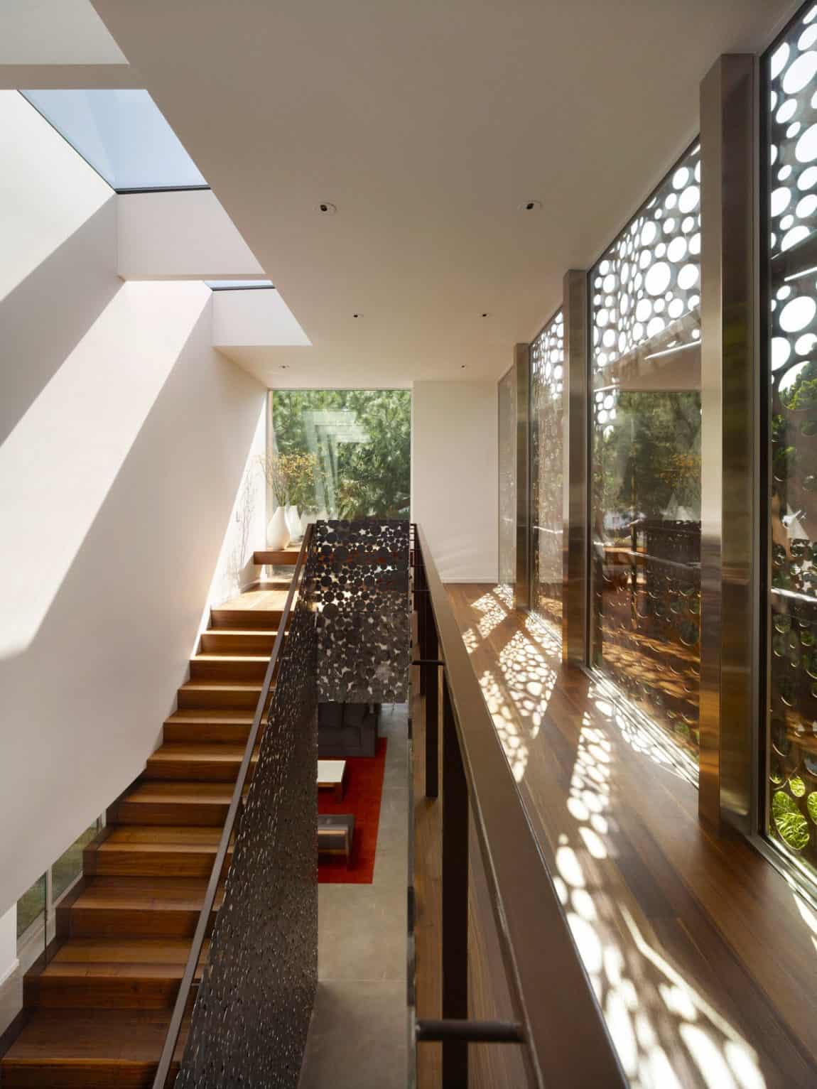 The Walnut Residence by Modal Design (11)
