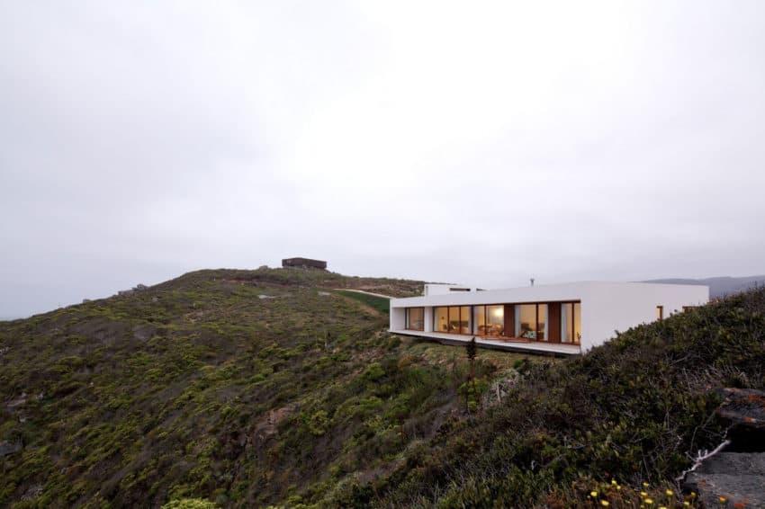Tunquen House by Nicolás Lipthay Allen / L2C (6)