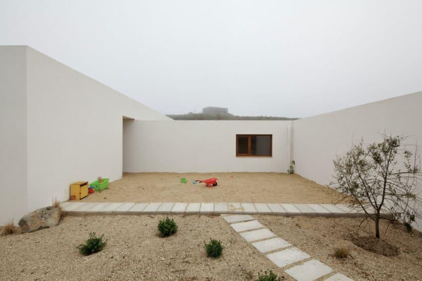 Tunquen House by Nicolás Lipthay Allen / L2C (11)