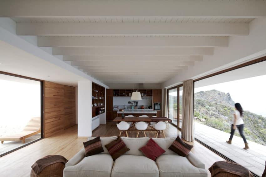 Tunquen House by Nicolás Lipthay Allen / L2C (14)