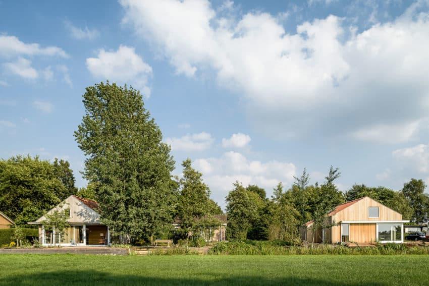 Three Holiday Homes by Korteknie Stuhlmacher (1)