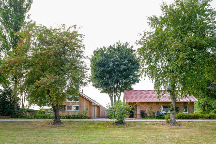 Three Holiday Homes by Korteknie Stuhlmacher (2)