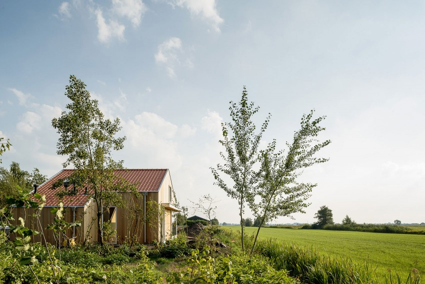 Three Holiday Homes by Korteknie Stuhlmacher (3)
