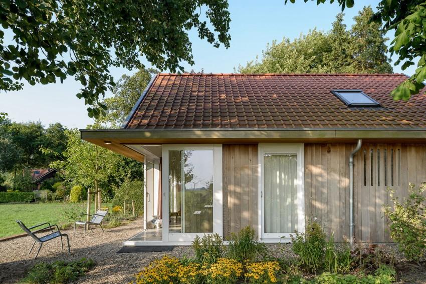 Three Holiday Homes by Korteknie Stuhlmacher (8)