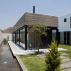 Surrounded House by 2.8x arquitectos (2)