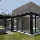 Surrounded House by 2.8x arquitectos (3)
