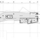 Aviator's Villa by Urban Office Architecture (12)