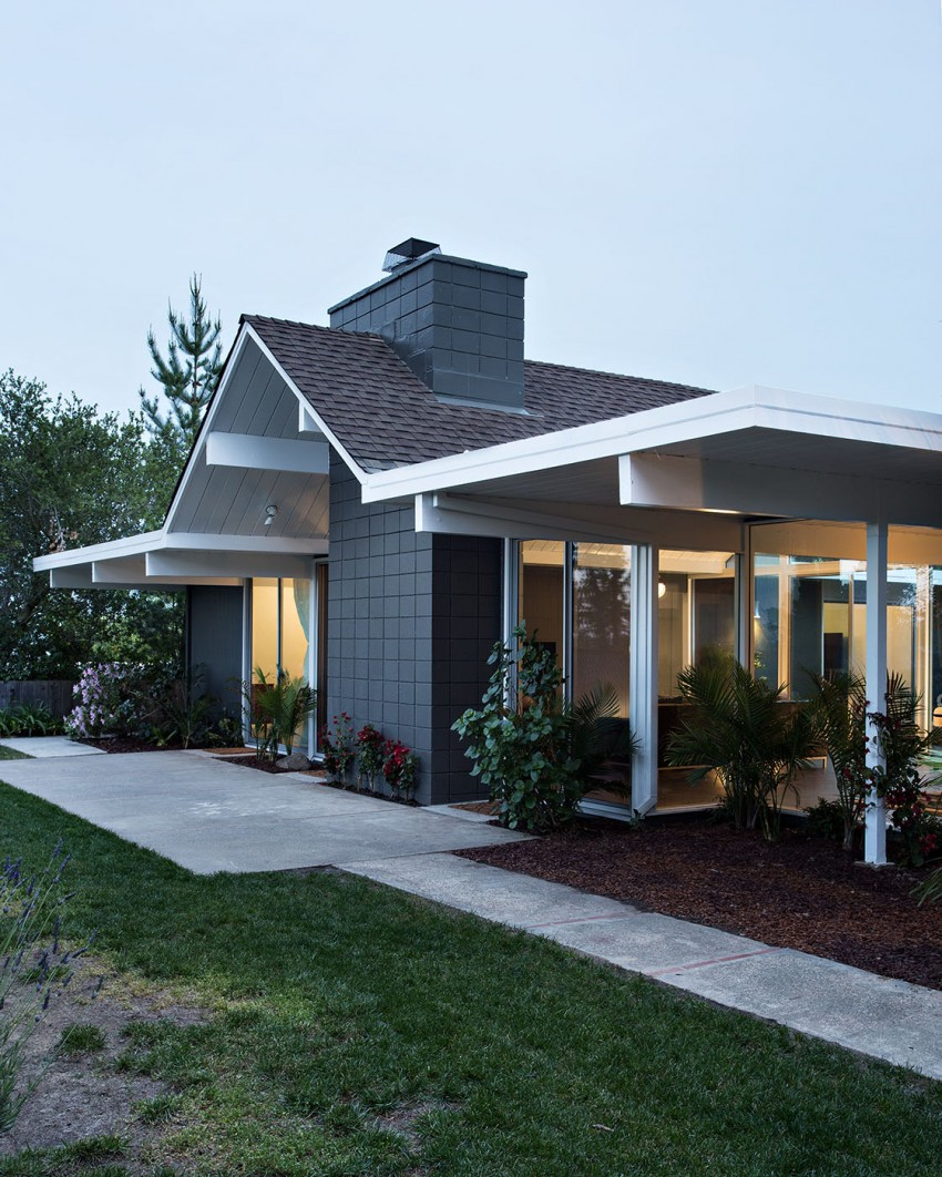 Double Gable Eichler Remodel by Klopf Architecture (27)