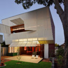 Casa 31_4 Room House by Iredale Pedersen Hook (31)