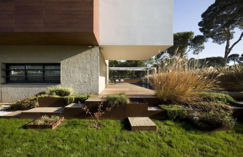D&E House by sanahuja and partners (5)