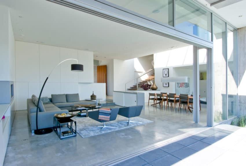 Esquimalt by McLeod Bovell Modern Houses (3)