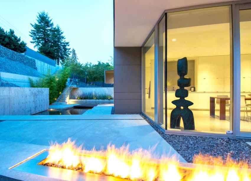 Esquimalt by McLeod Bovell Modern Houses (9)