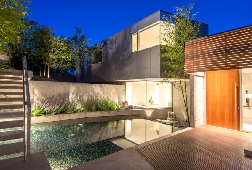 Esquimalt by McLeod Bovell Modern Houses (11)