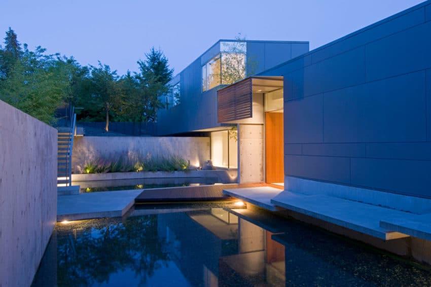 Esquimalt by McLeod Bovell Modern Houses (12)