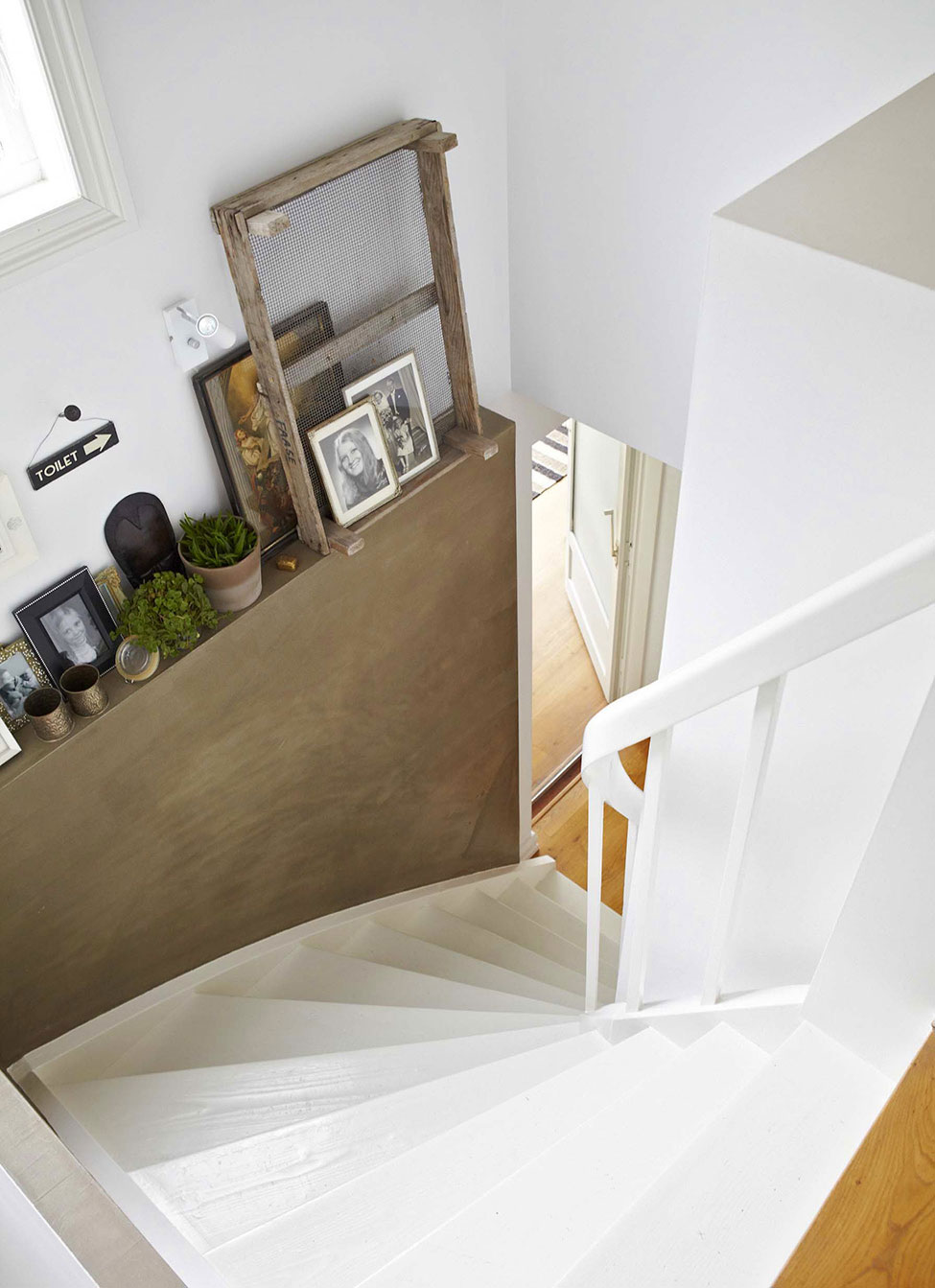 Home of an Interior Designer in Oslo by Steen & Aiesh (15)