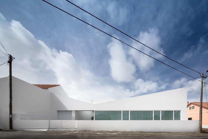 Pó House by Ricardo Silva Carvalho Arquitectos (2)