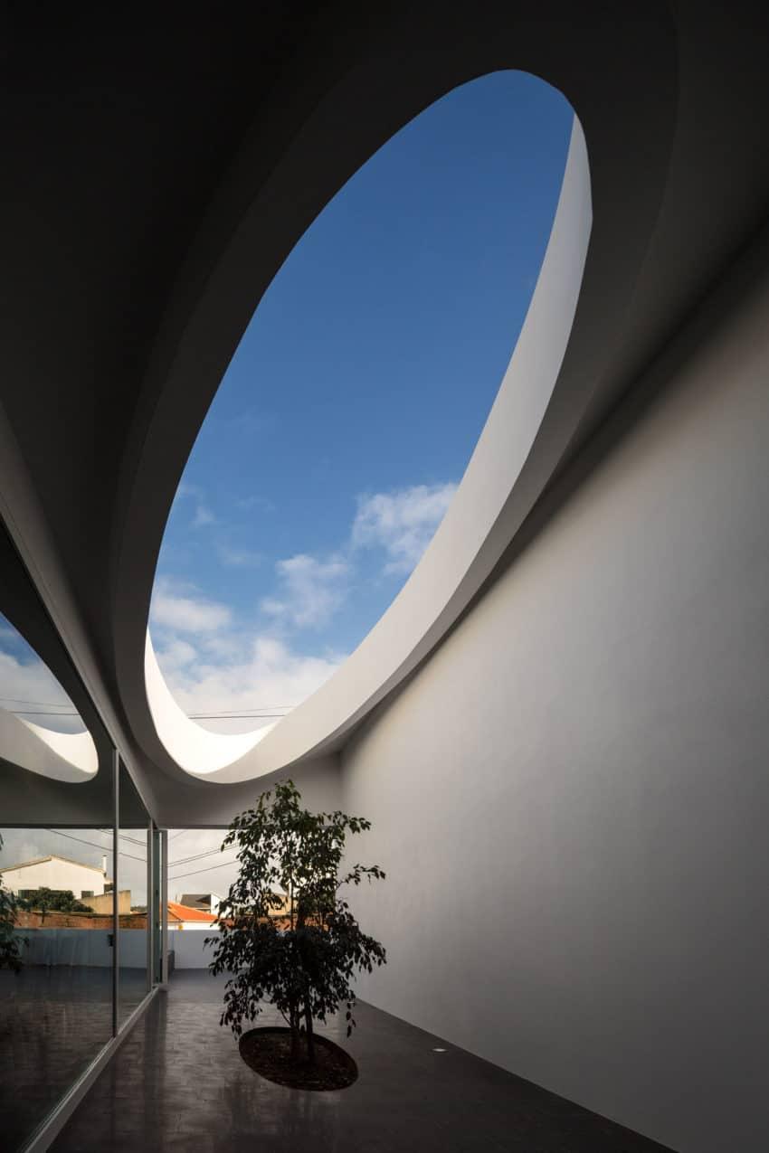 Pó House by Ricardo Silva Carvalho Arquitectos (6)