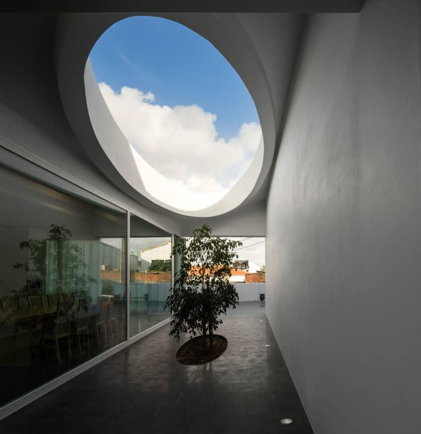 Pó House by Ricardo Silva Carvalho Arquitectos (7)
