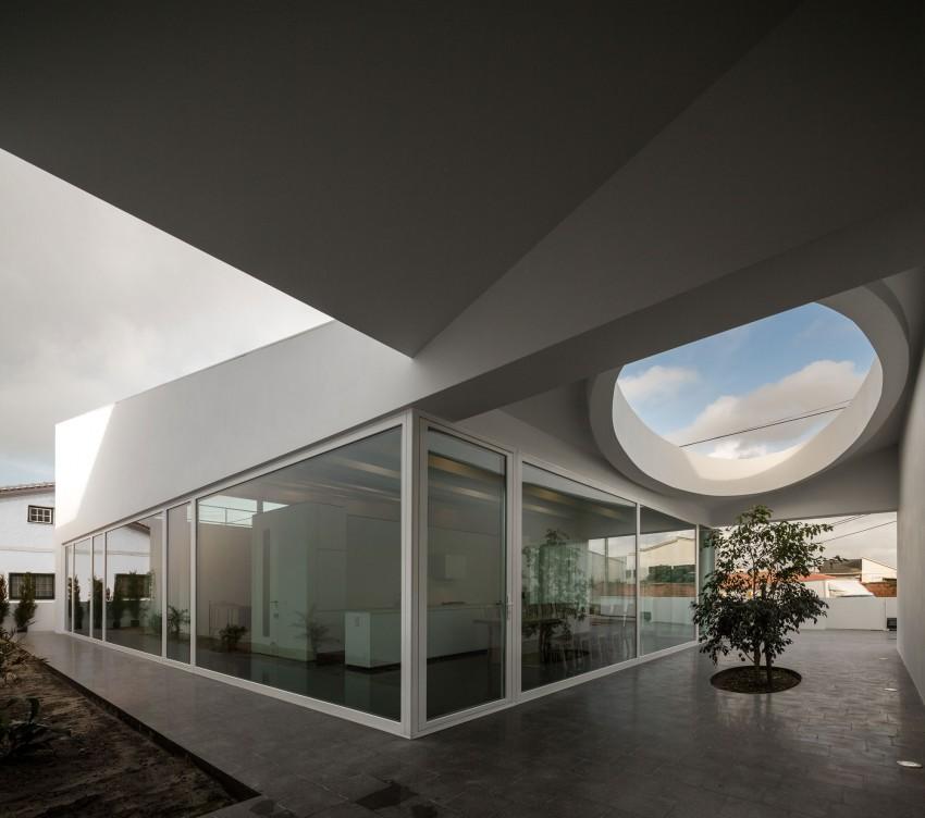 Pó House by Ricardo Silva Carvalho Arquitectos (10)
