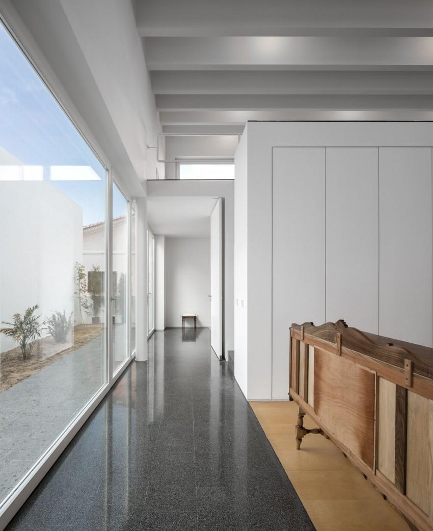 Pó House by Ricardo Silva Carvalho Arquitectos (15)