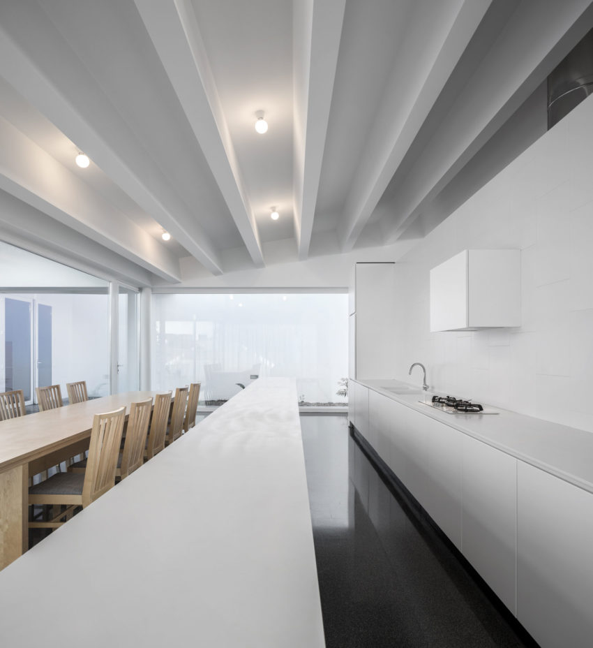 Pó House by Ricardo Silva Carvalho Arquitectos (19)
