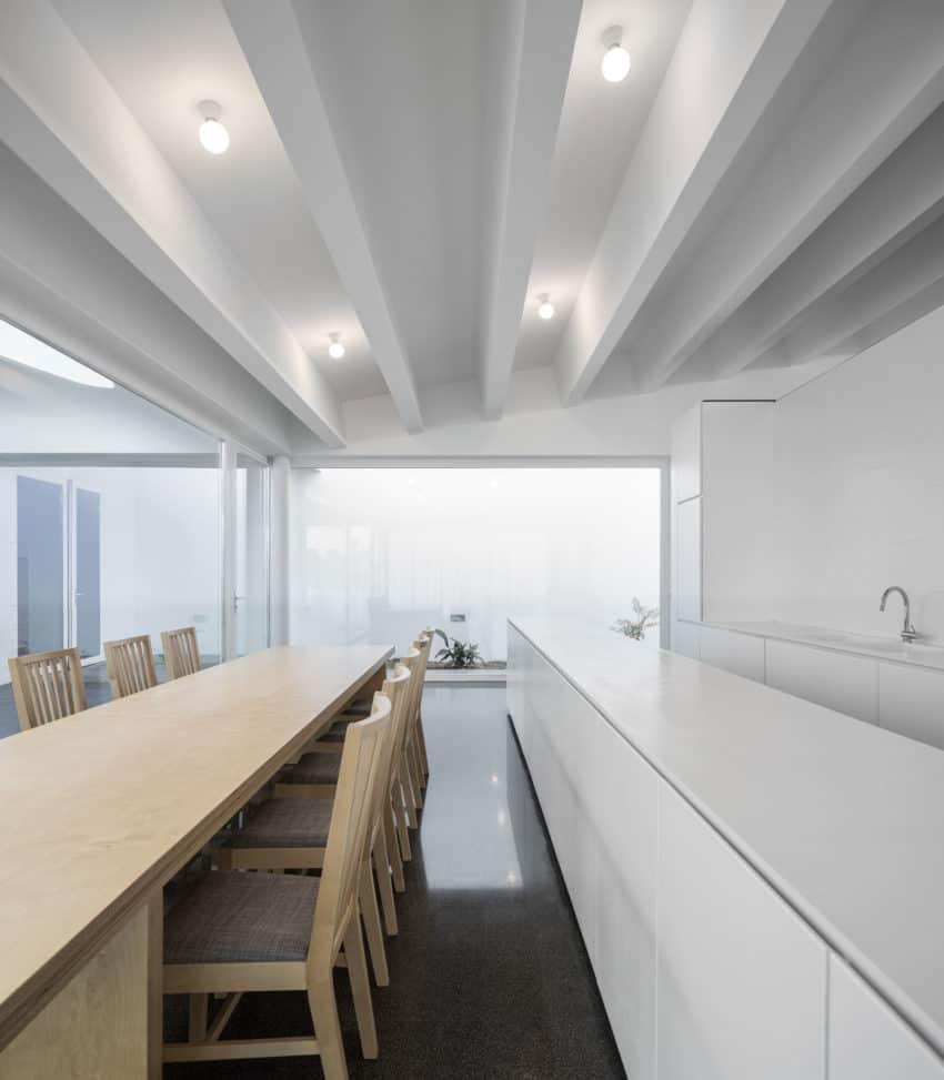 Pó House by Ricardo Silva Carvalho Arquitectos (21)