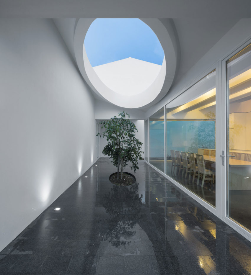 Pó House by Ricardo Silva Carvalho Arquitectos (26)