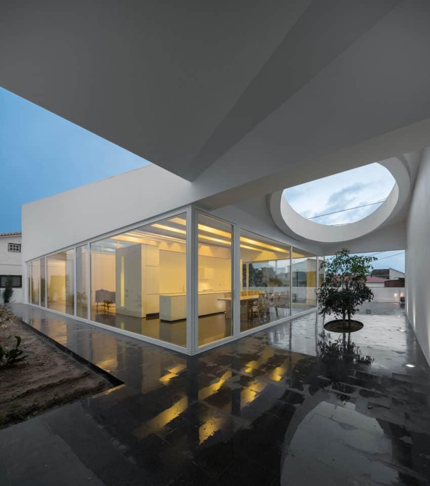 Pó House by Ricardo Silva Carvalho Arquitectos (28)