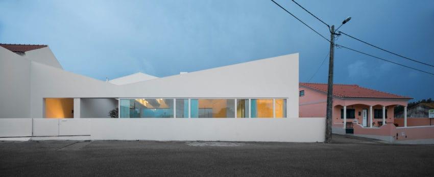 Pó House by Ricardo Silva Carvalho Arquitectos (29)
