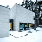 Rectangle Parallelepiped House by Devyni Architektai (3)