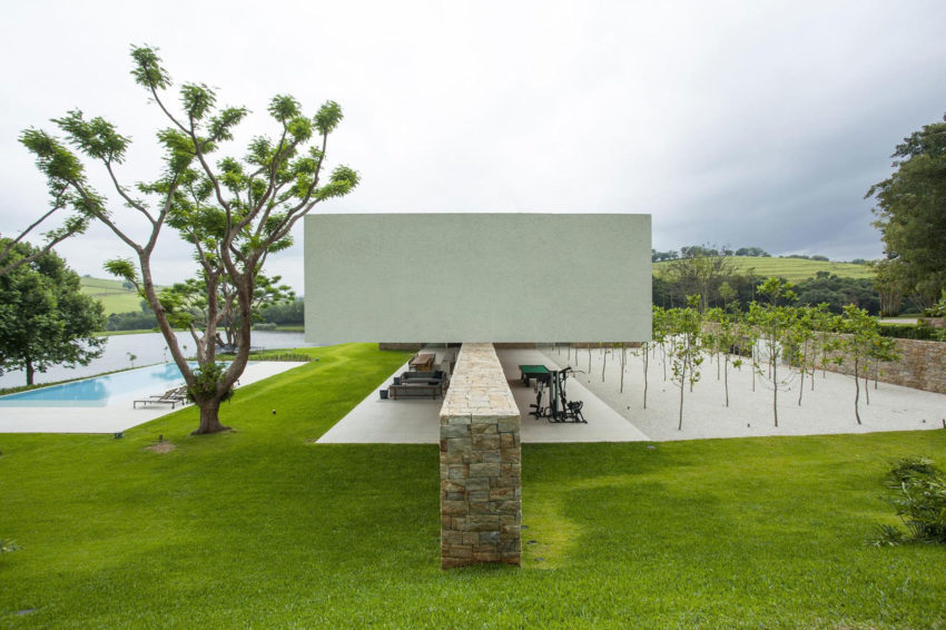 Residencia Itatiba by RoccoVidal P+W (1)