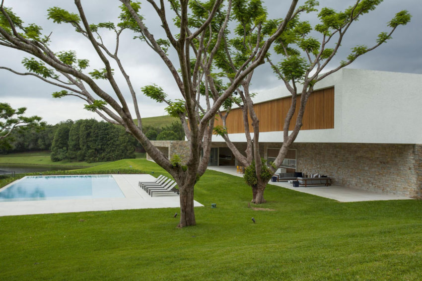 Residencia Itatiba by RoccoVidal P+W (5)