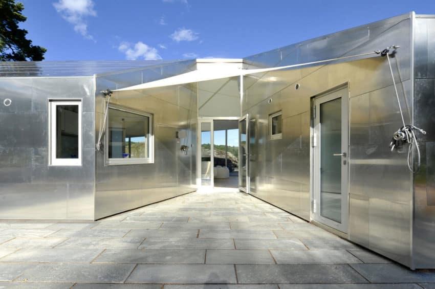The Aluminum Cabin by JVA (6)