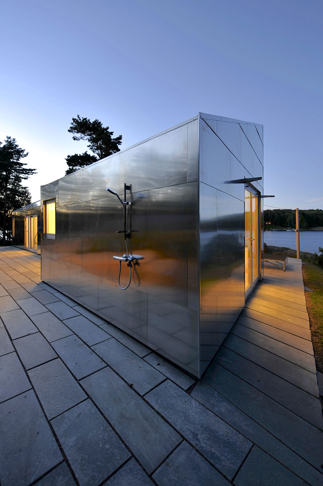 The Aluminum Cabin by JVA (13)