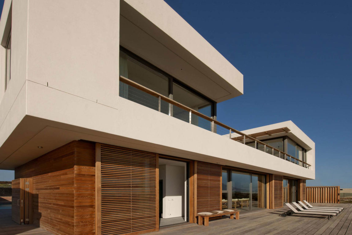 Waters Edge Beach House by COA (1)