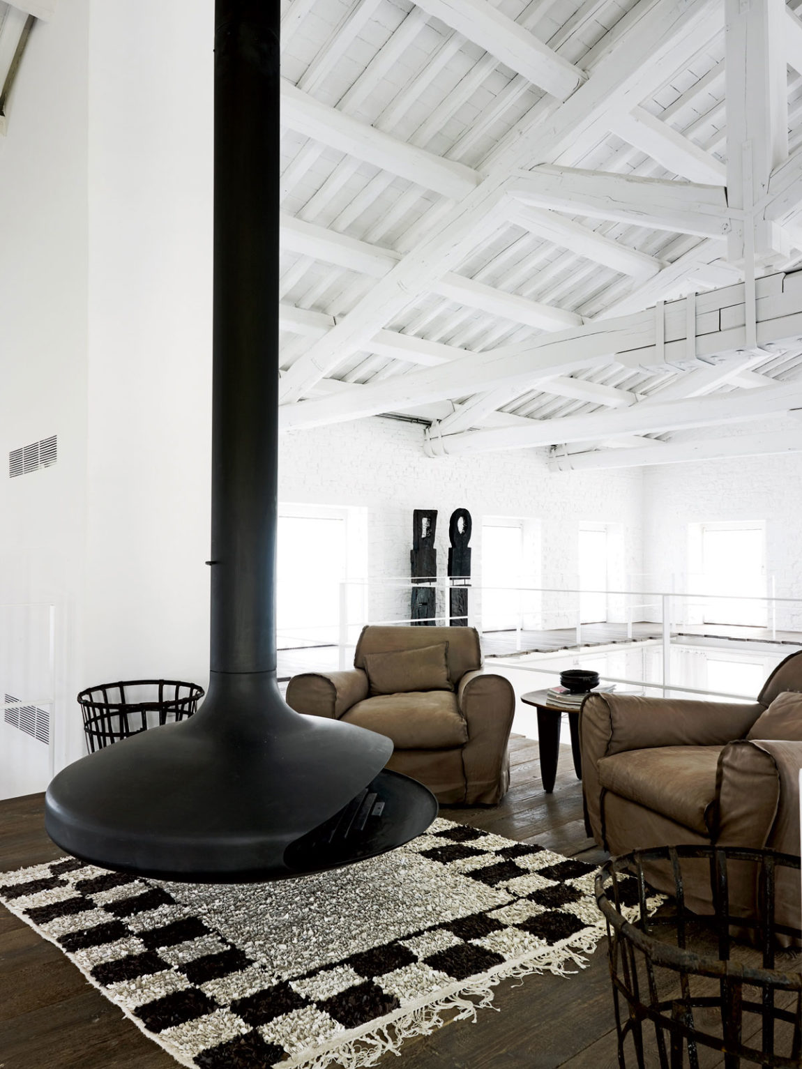 A Renovation in Umbria by Paola Navone (2)