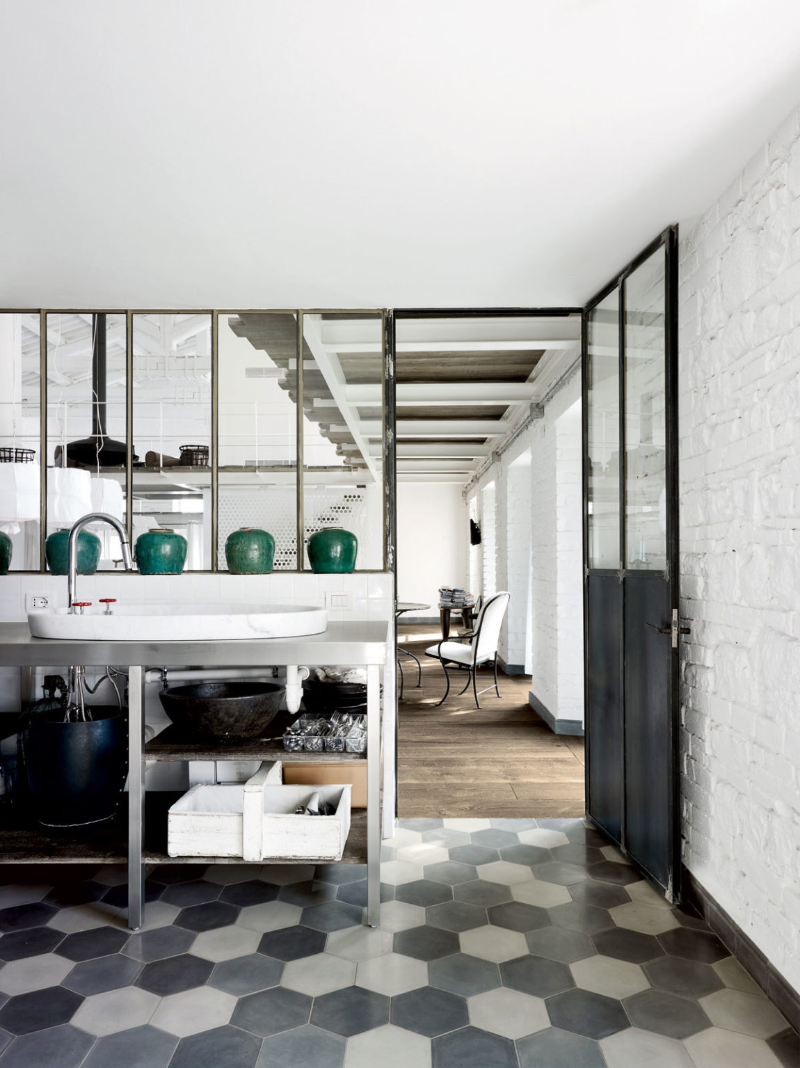 A Renovation in Umbria by Paola Navone (3)